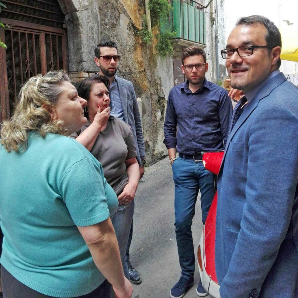 Gaetano Cimmino ascolta i cittadini di zona Privati Castellammare ditabia